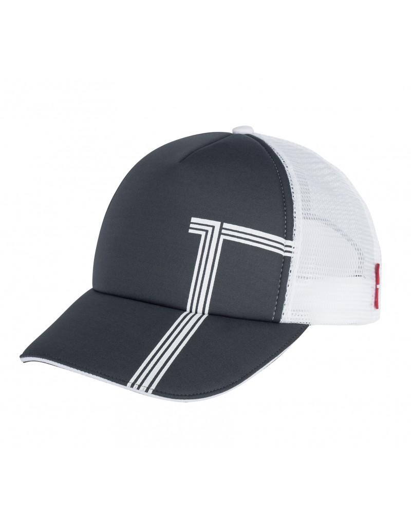 Diese sportliche Schildmütze mit luftigem Netzrücken ist Ihr praktischer Begleiter im Sommer: Die Golf Cap ist aus Polyester-Schaumstoff gefertigt und ist dank Druckknöpfen weitenregulierbar. Die Front ist weich gepolstert, für modische Akzente sorgt der dezente T-Druck.    -sportliche Golf Cap -mit weicher Polsterfront -mit luftigem Netzrücken -mit T-Druck