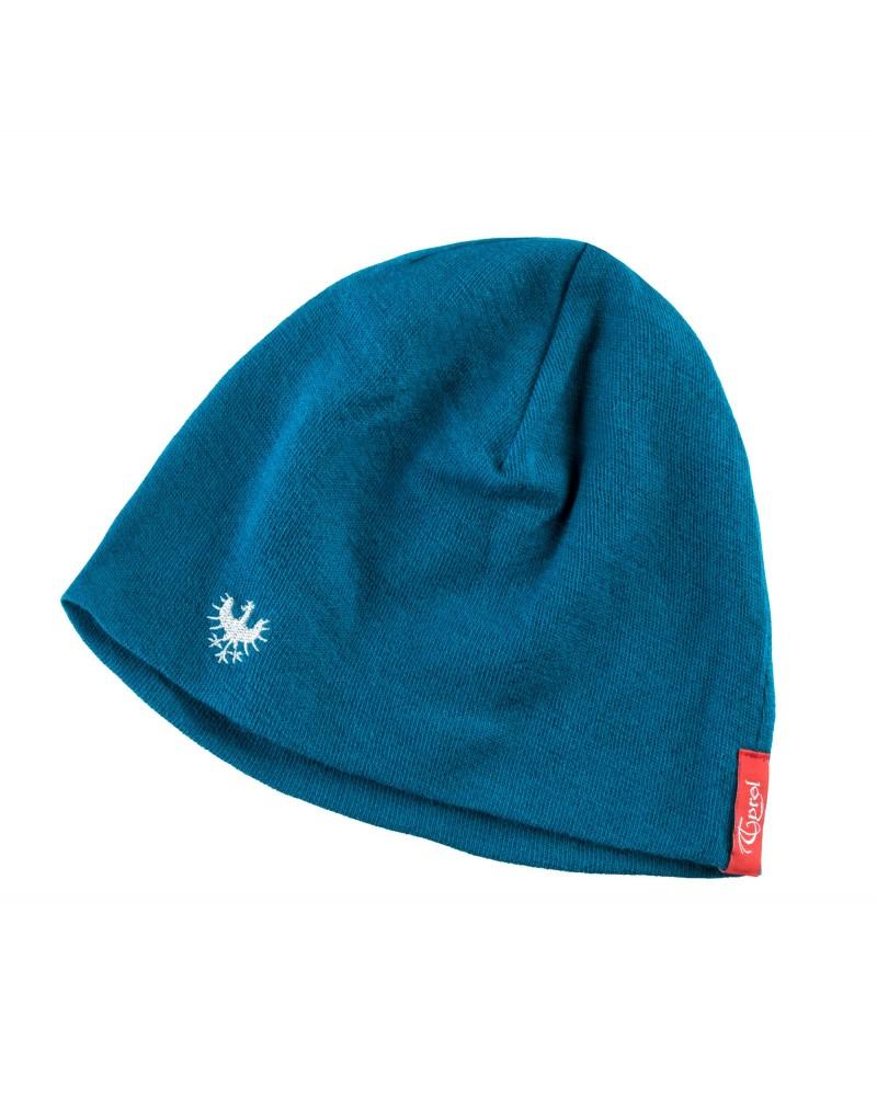 """Wärmt und hat Style: Die Mütze """"Seeduck"""" aus der aktuellen Tirol Kollektion garantiert nicht nur warme Ohren, sie ist auch ein modisches Highlight für Tirol-Fans. Die Mütze gibt es in Blau, Anthrazit und Rosa und hat einen dezentem Adler-Stick. Sie lässt sie sich zu sportlichen Outfits und modischen Freizeitslooks ideal kombinieren. Die Mütze ist klassisch geschnitten und ist aus hochwertiger Merino Wolle hergestellt.    Made in Tirol   Stickadler   Material: 100% Merino"""