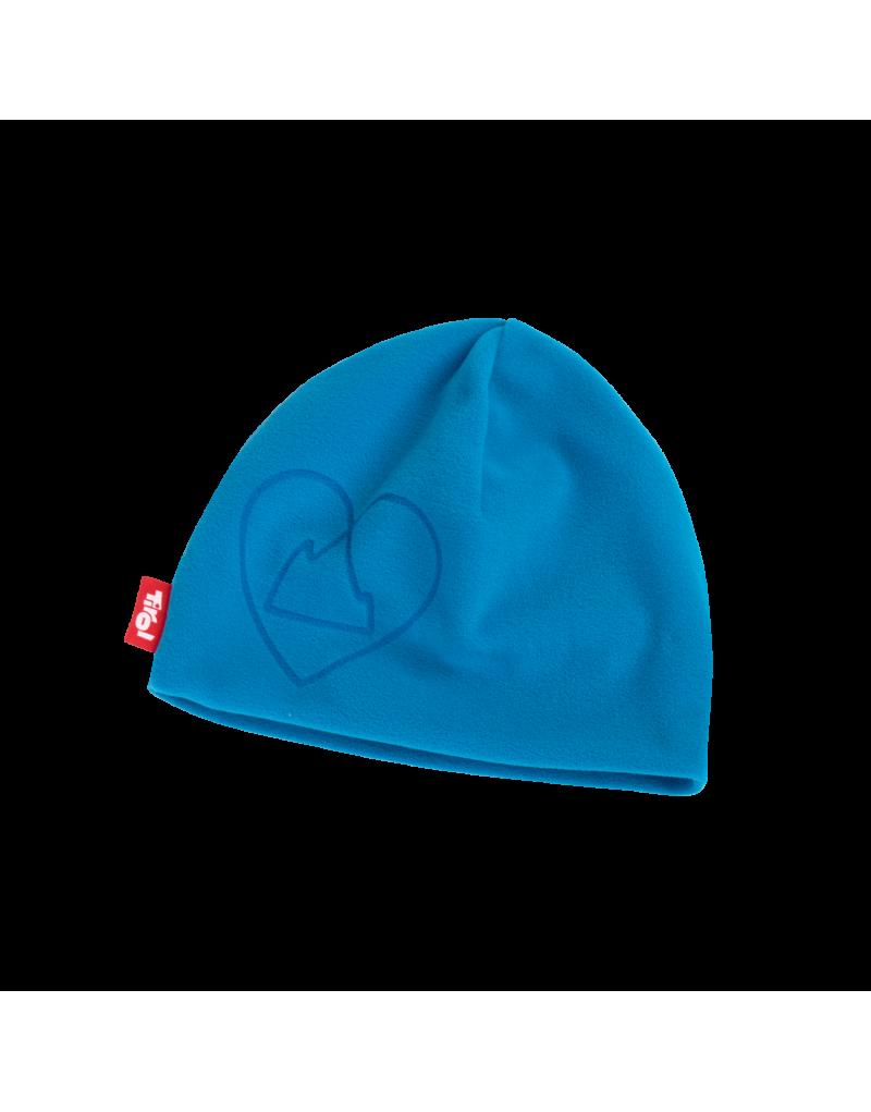 """Wenn die Tage kürzer und kälter werden, benötigt der kälteempfindliche Kopf einen zuverlässigen Schutz. Die warme Tirol Shop Fleece-Mütze """"Jannik"""" ist aus extra weichem Fleecematerial und hält angenehm und langanhaltend warm. Pure Wärme für Kopf und Ohren.    Herzberg Logo auf der Stirnseite   100% Polyester"""