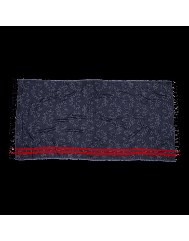 """Unser Jacquard Stola """"Plangeross"""" aus feinster Wolle verwöhnt mit natürlicher Wärme und veredeln jedes Outfit. Perfekte Länge für das Mehrfach-um-den-Hals-wickeln und den winterlichen Temperaturen trotzend!    Jacquard gewebte Stola aus kuscheliger Materialkomposition   Maße: 90x200cm   Material: 50% Wolle, 40% Baumwolle, 10% Nylon"""